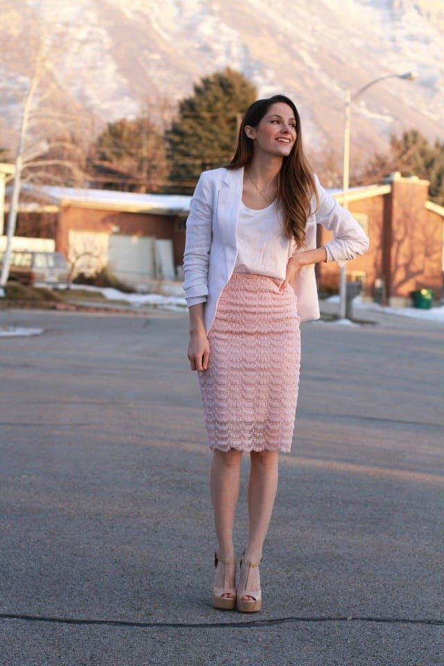 Lace skirt with sheer and metal zipper