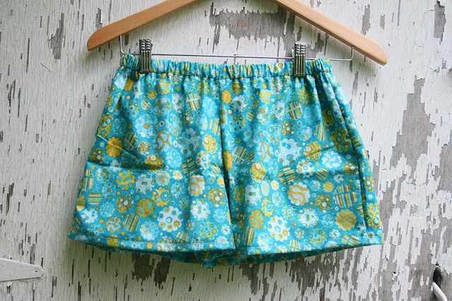 Pajama shorts tutorial and pattern