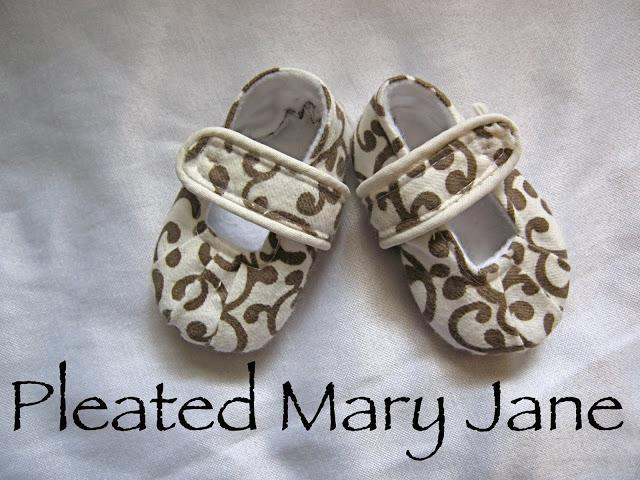Pleated Mary Janes baby shoe pattern