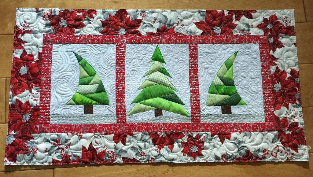 Trio Christmas tree quilt - Sewing 4 Free