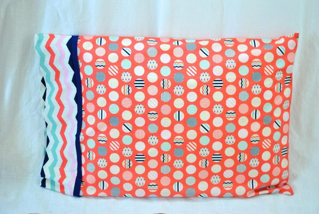 15 Minute Pillowcase pattern & 15 Minute Pillowcase pattern - Sewing 4 Free pillowsntoast.com