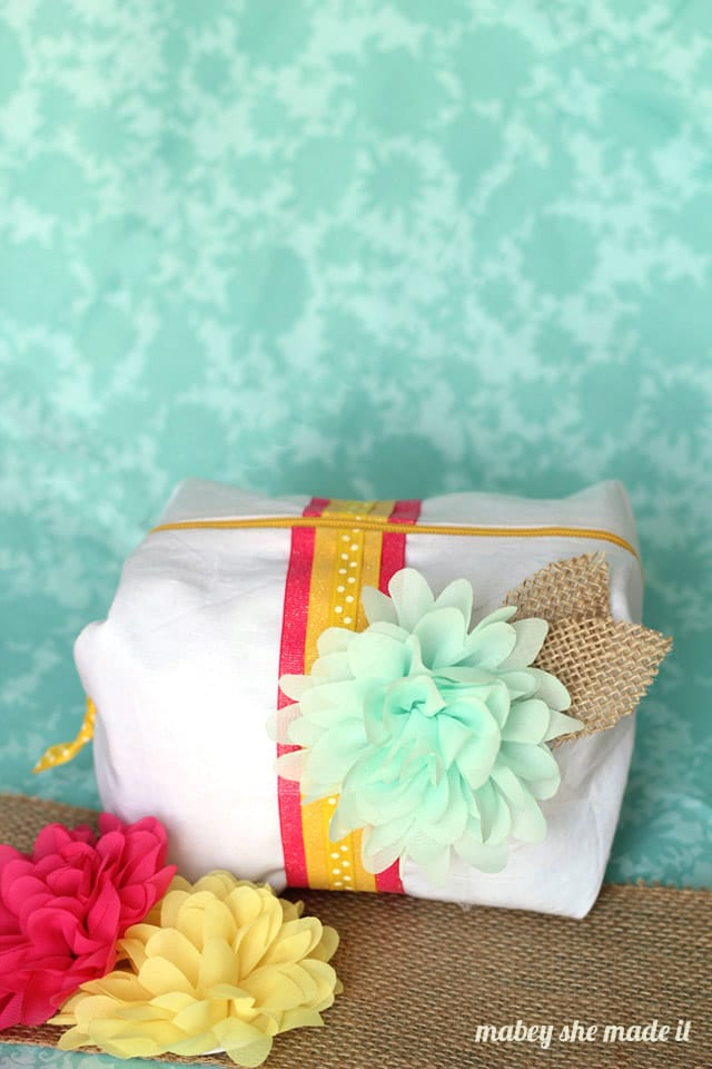 How to Sew a Boxy Zipper Pouch