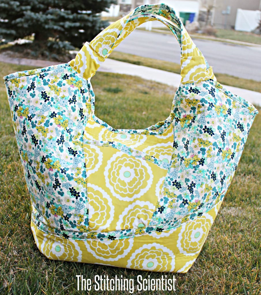 Free Beach Bag Pattern and Tutorial - Sewing 4 Free