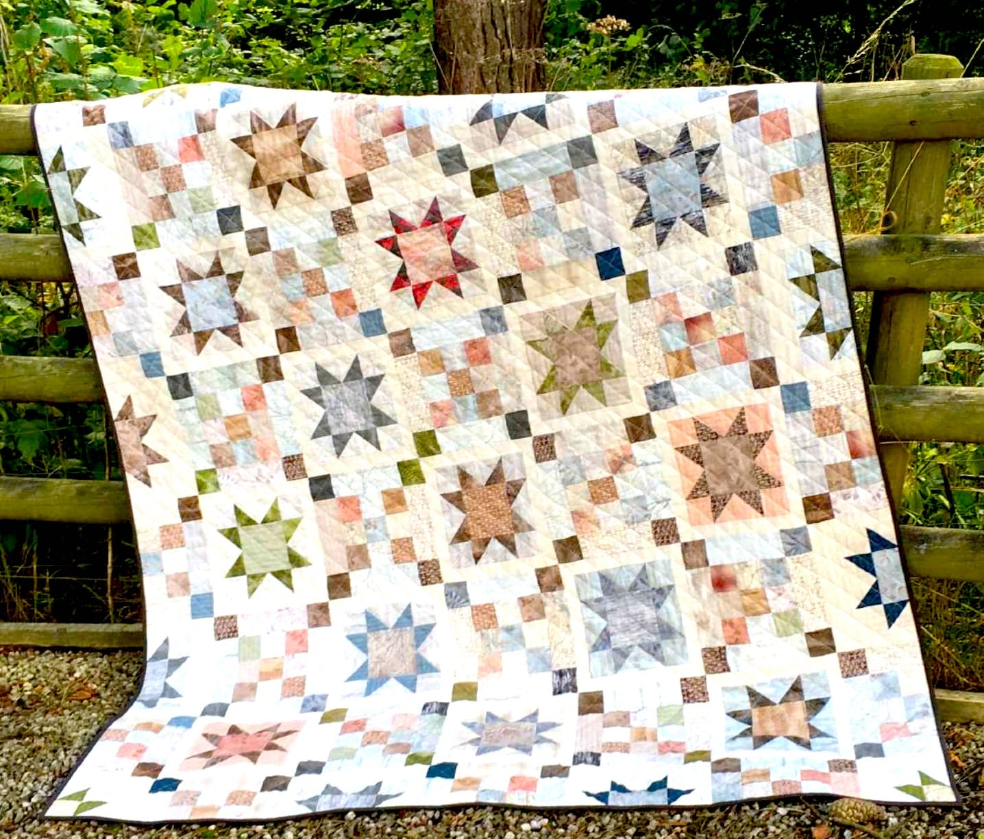 Free Quilt Pattern And Tutorial Centenary Stars Quilt Sewing 4 Free