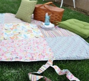 Patchwork Picnic Blanket free sewing tutorial