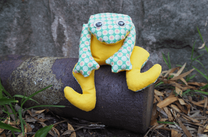 Frog Softie FREE Sewing Pattern