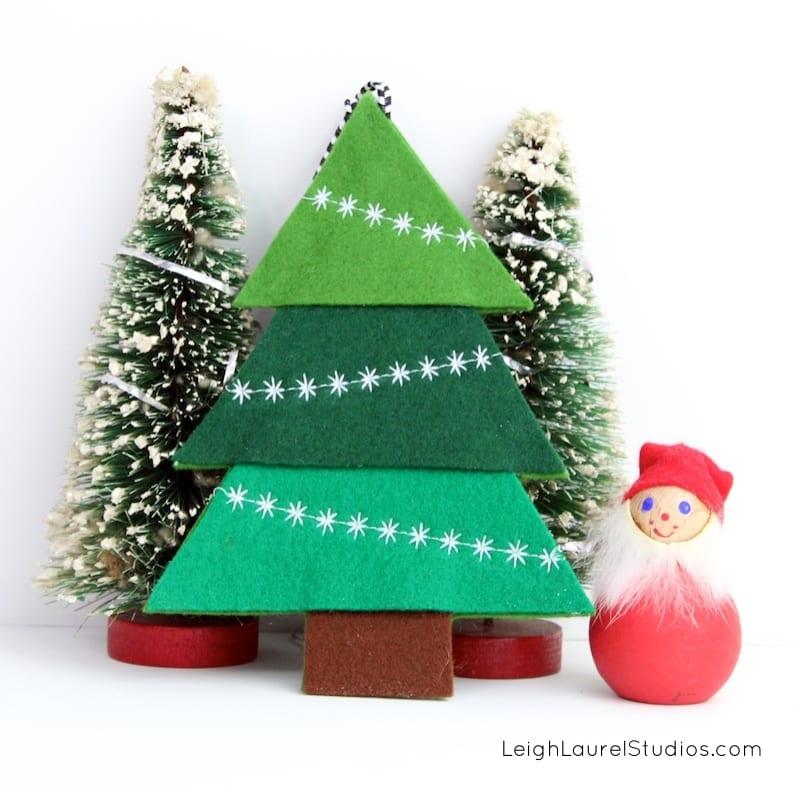 FREE Pattern Felt Tree Ornament