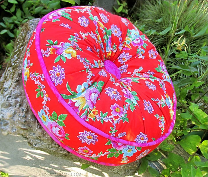 Round Pillow FREE Sewing Tutorial