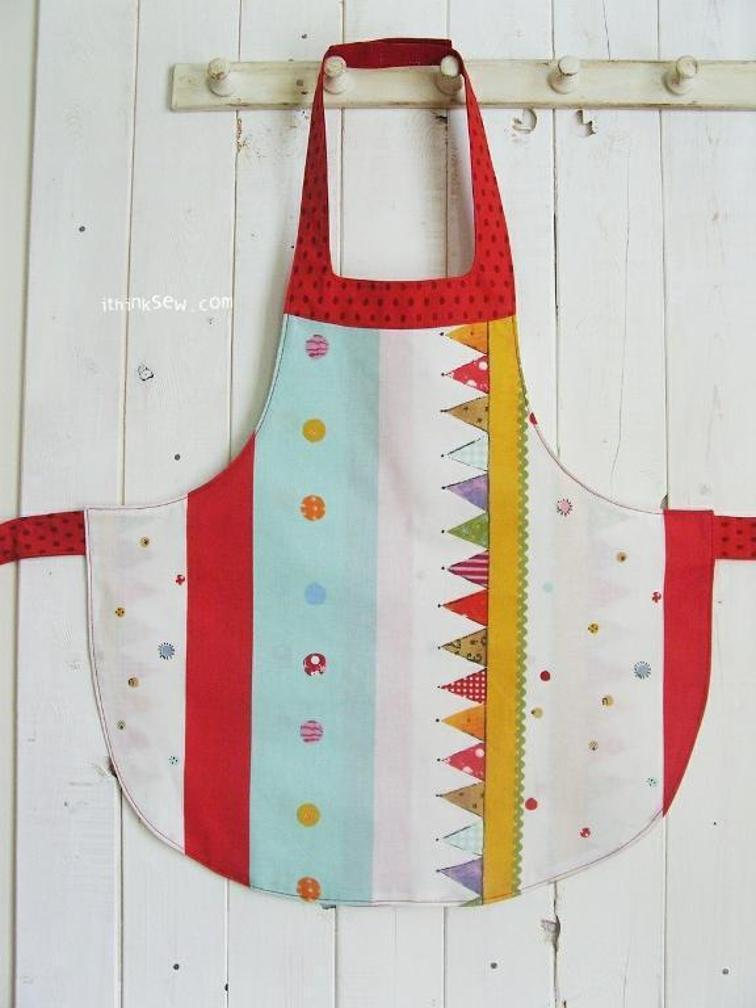 Alina Girls Apron FREE Sewing Pattern