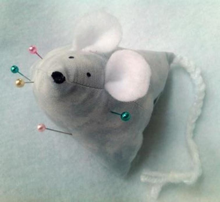Mouse Pincushion FREE Sewing Tutorial