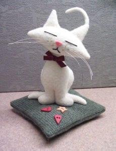 Kitty Kat Pincushion FREE Sewing Pattern