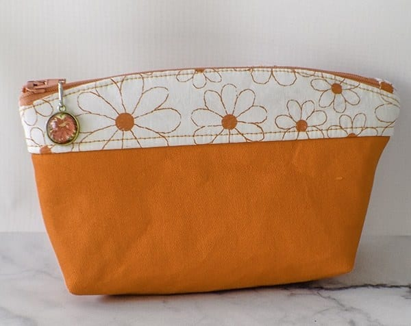 Curve Top Makeup Bag Free Sewing Tutorial