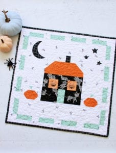 Halloween Mini Quilt FREE Pattern