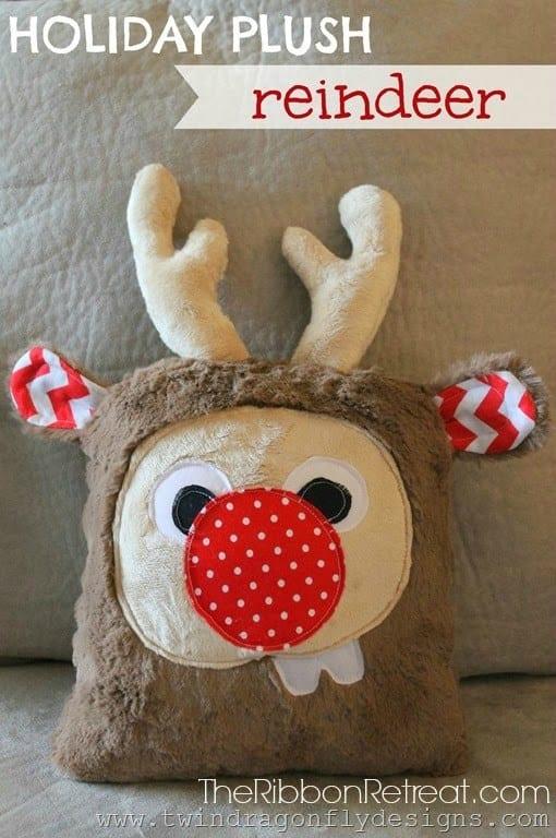 Holiday Plush Reindeer FREE Sewing Pattern