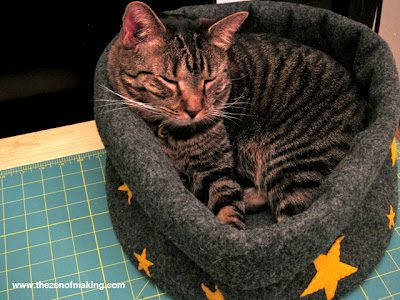 Cat Bed FREE Sewing Pattern